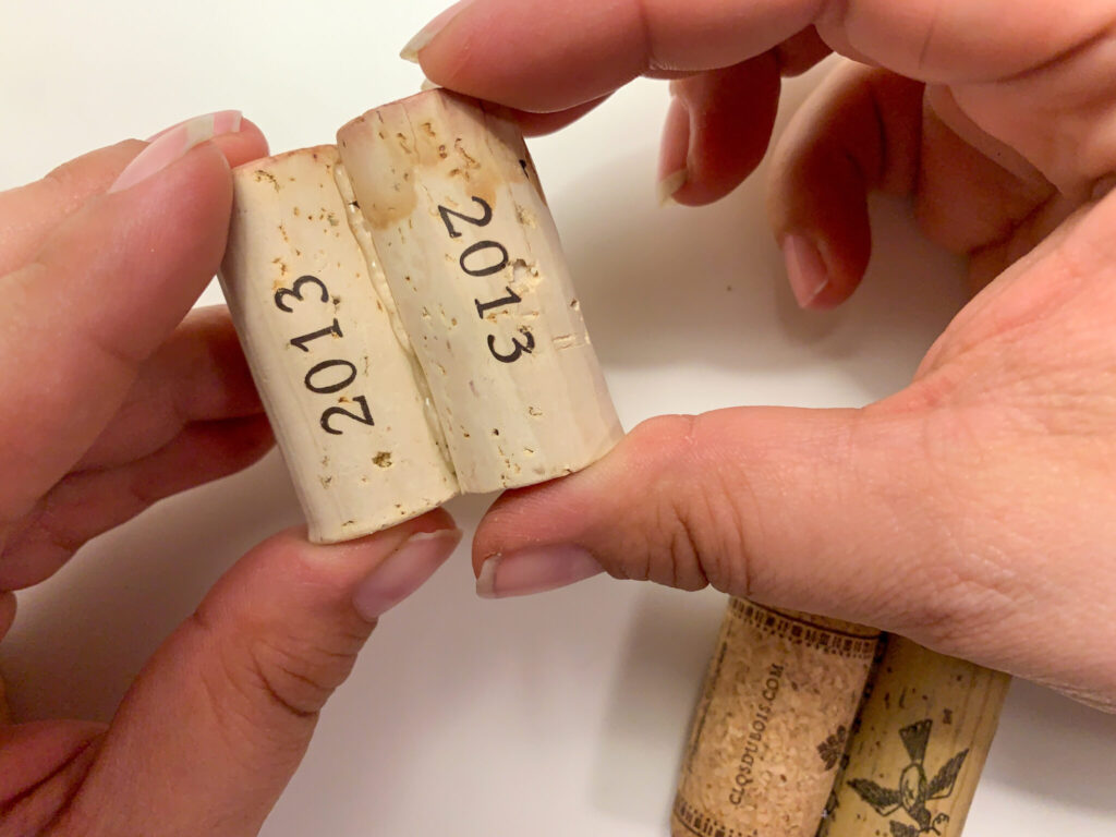 Glueing corks two at a time
